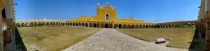 zocalo del Convento de Nuestra Señora de Izamal